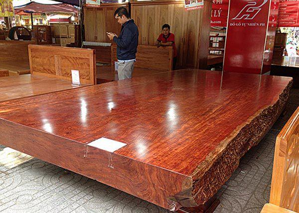Gỗ cẩm lai đỏ là loại gỗ được đánh giá cao nhất