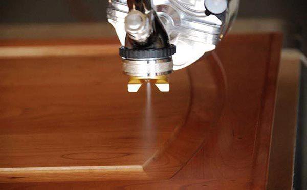Gia đoạn phun bóng bề mặt gỗ - Hướng dẫn sơn PU trên đồ gỗ