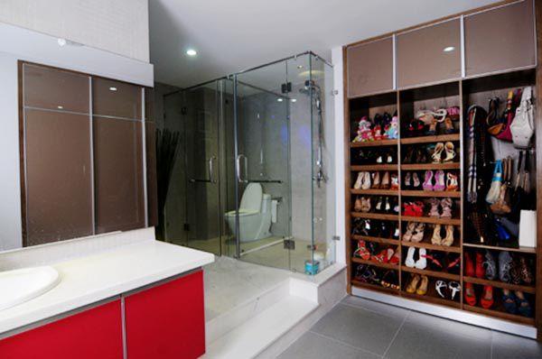 Mẫu thiết kế phòng tắm kết hợp với phòng thay đồ theo phong cách trẻ trung năng động