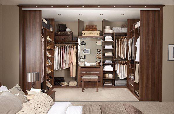 Phòng ngủ với phòng thay đồ tiện dụng bằng gỗ óc chó - Nadu Furniture
