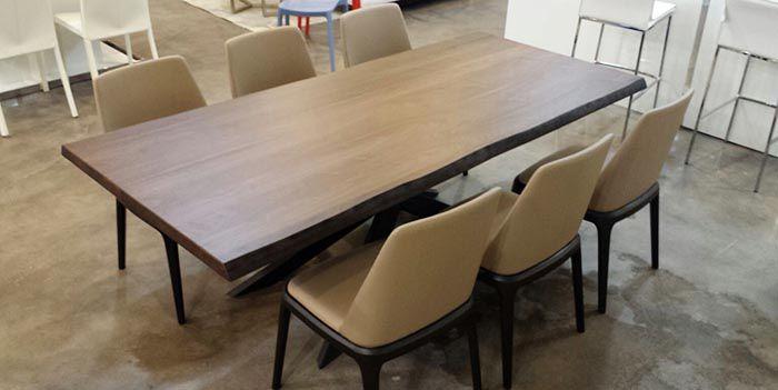 Showroom nội thất gỗ óc chó cao cấp Nadu Furniture