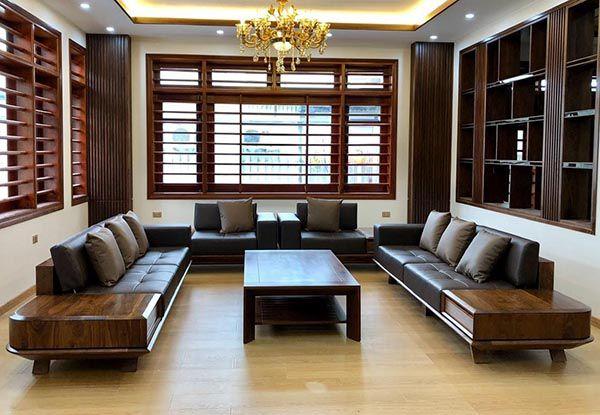 Sofa gỗ óc chó chữ U là lựa chọn phù hợp cho phòng khách rộng