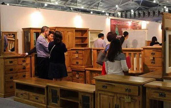 Bạn nên lựa chọn đồ gỗ được nhập trực tiếp tại xưởng sẽ có giá tốt hơn