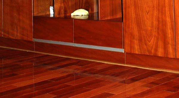Gỗ căm xe được ứng dụng rất nhiều sàn gỗ do khả năng chống mối mọt và chống nước tốt