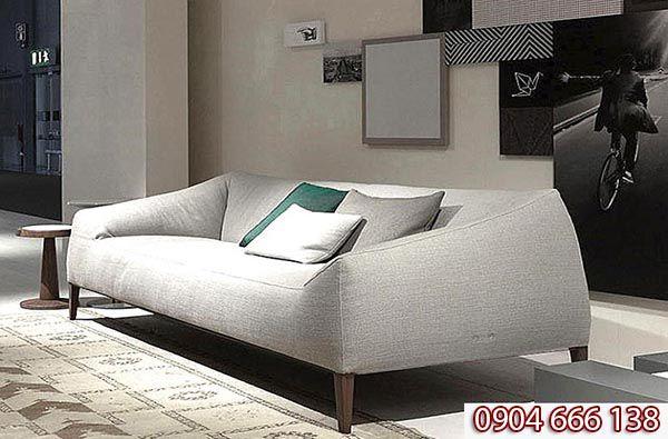Mẫu sofa chân gỗ óc chó nệm bọc vải đẹp mã SFG 301