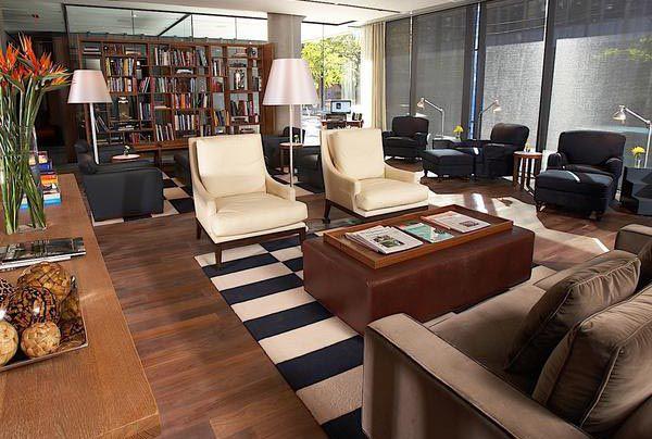 Một mẫu sofa gỗ óc chó cho phòng khách nữa để các bạn tham khảo