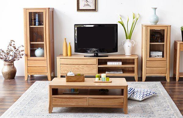 Tủ gỗ Sồi phòng khách đơn giản và giá rẻ hơn so với các loại gỗ khác