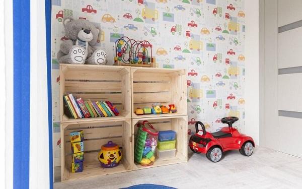 Các phụ kiện nhiều màu sắc thích hợp để trang trí phòng ngủ cho bé trai